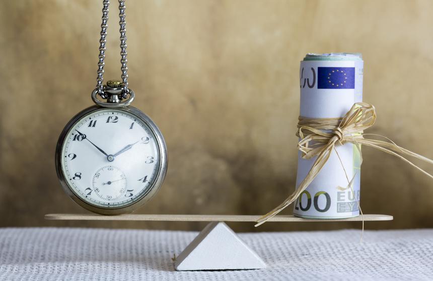 Die Tätigkeit eines Rentenberaters ist kostenpflichtig.